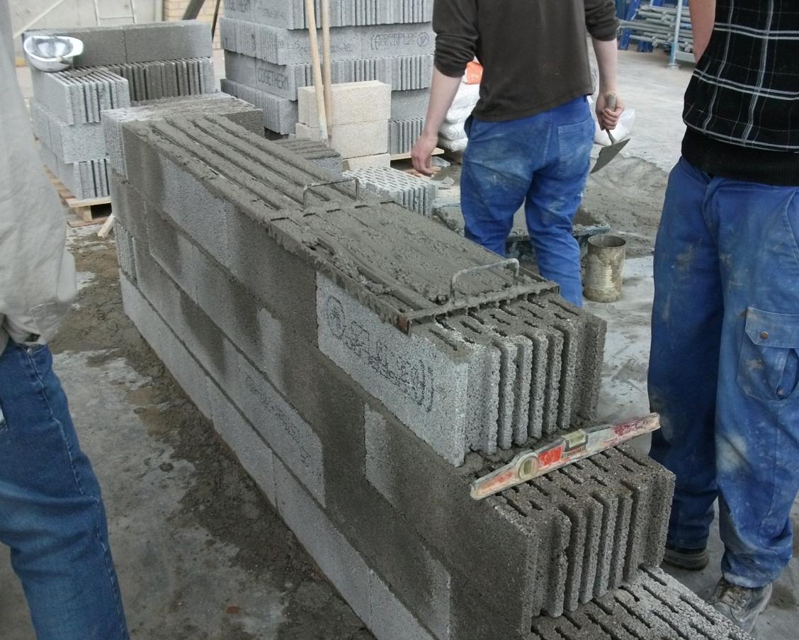 et si vous faisiez construire votre maison en pierre ponce maisons ericlor. Black Bedroom Furniture Sets. Home Design Ideas