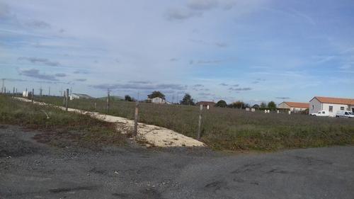 Terrain constructible à Salle-de-Vihiers