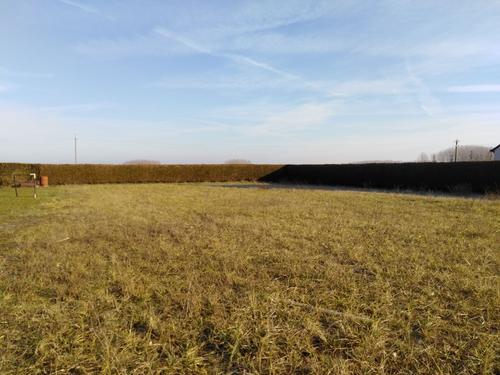 Terrain constructible à Vernoil-le-Fourrier