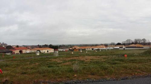 Terrain constructible à Romagne
