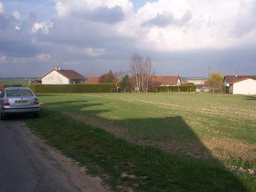 Terrain constructible à Marigny-Marmande