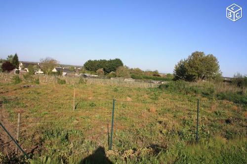 Terrain constructible à Saint-Cyr-en-Bourg