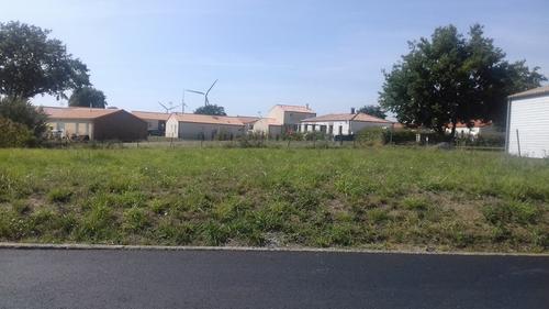 Terrain constructible à Chapelle-Rousselin