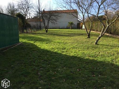 Terrain constructible à Saint-Benoît