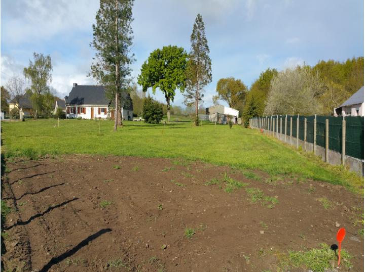 Terrain constructible à Donges