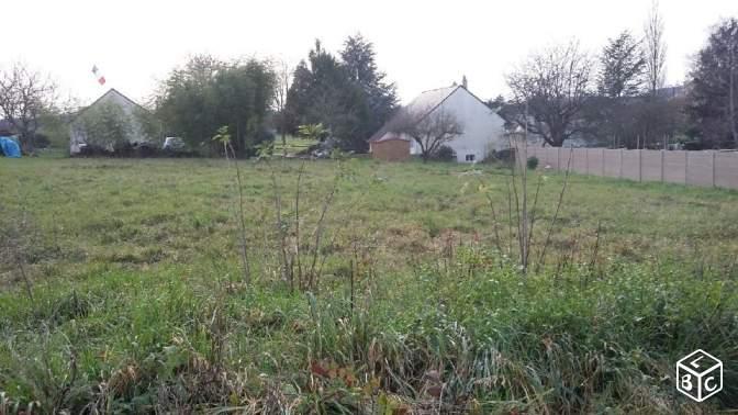 Terrain constructible à Montreuil-sur-Loir
