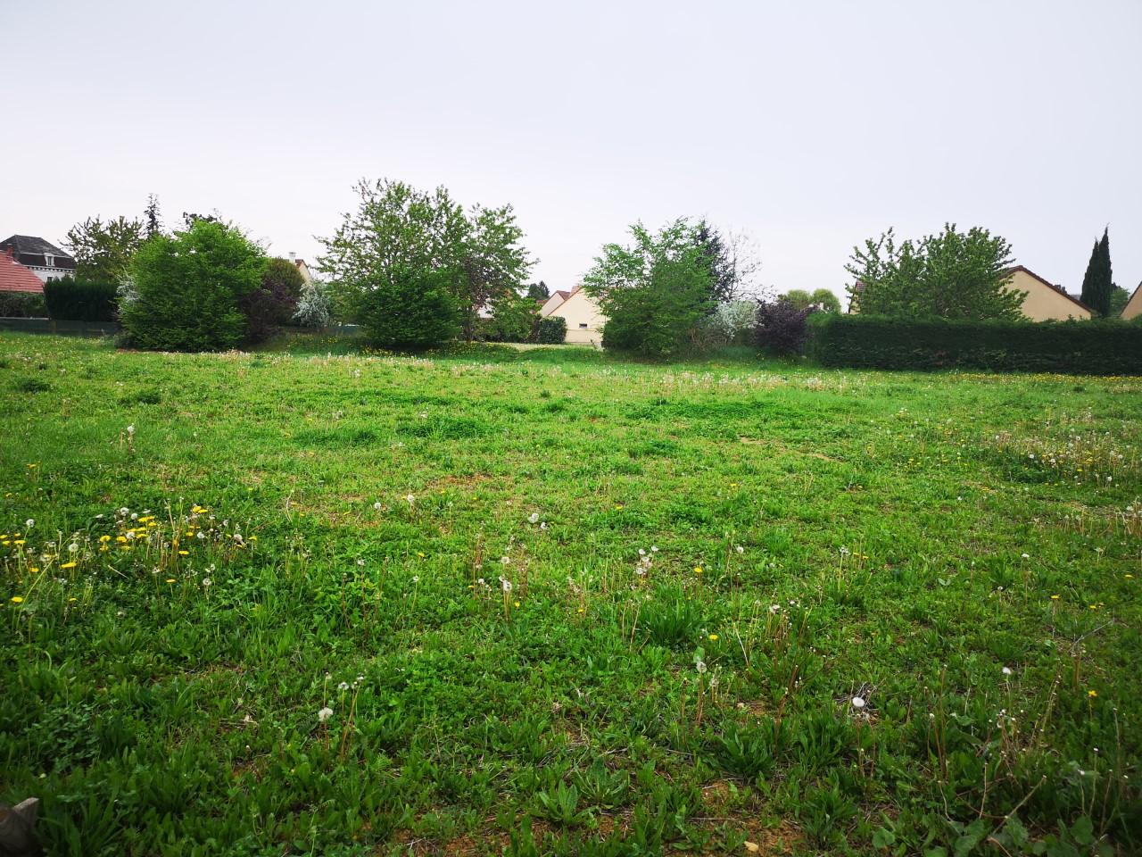 Terrain constructible à Gissey-le-Vieil
