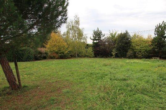Terrain constructible à Mesnil-en-Vallée