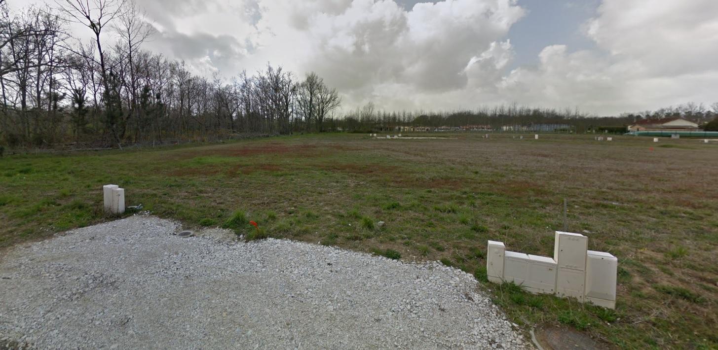 Terrain constructible à Villegouge