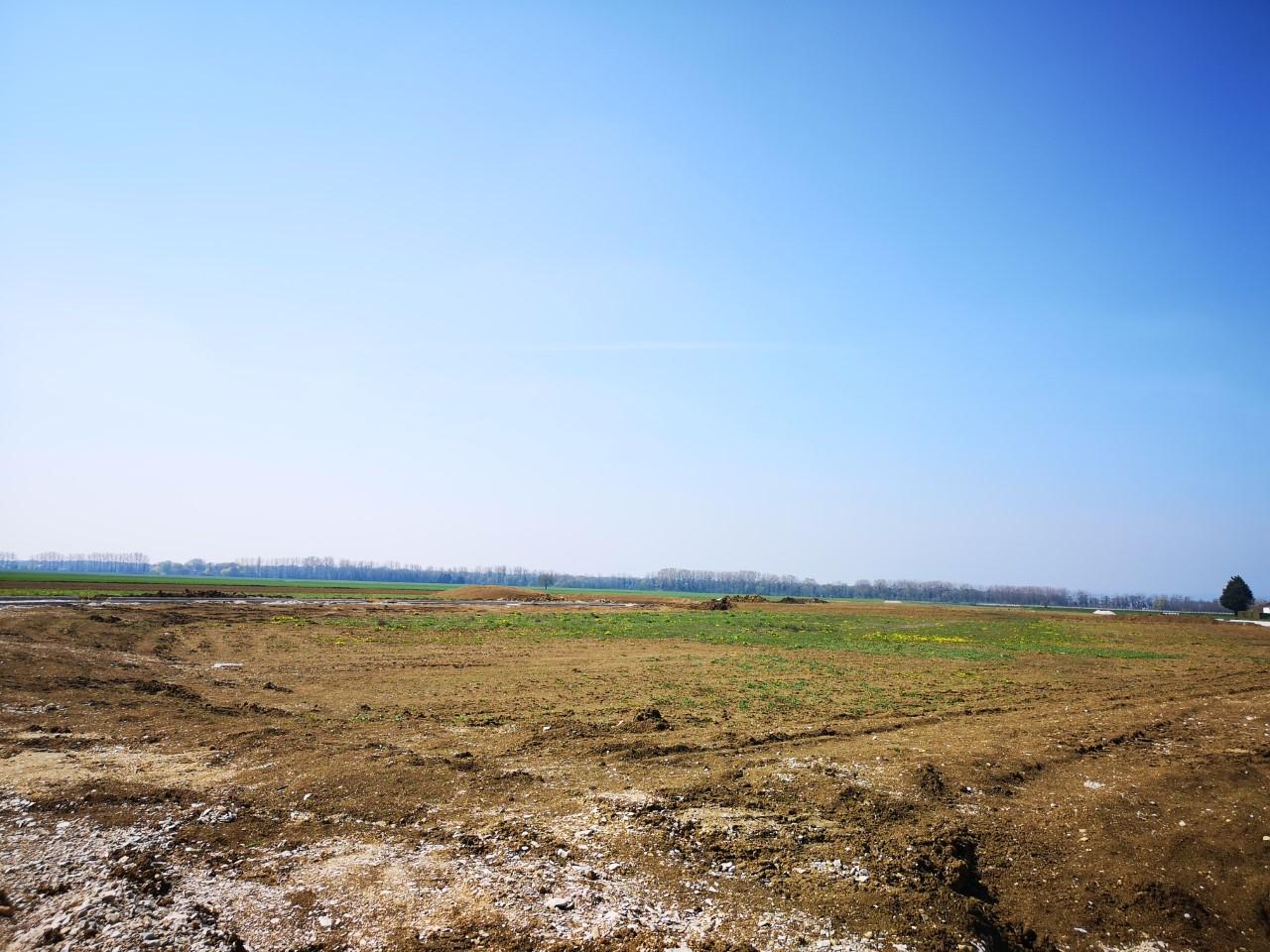 Terrain constructible à Rouvres-en-Plaine