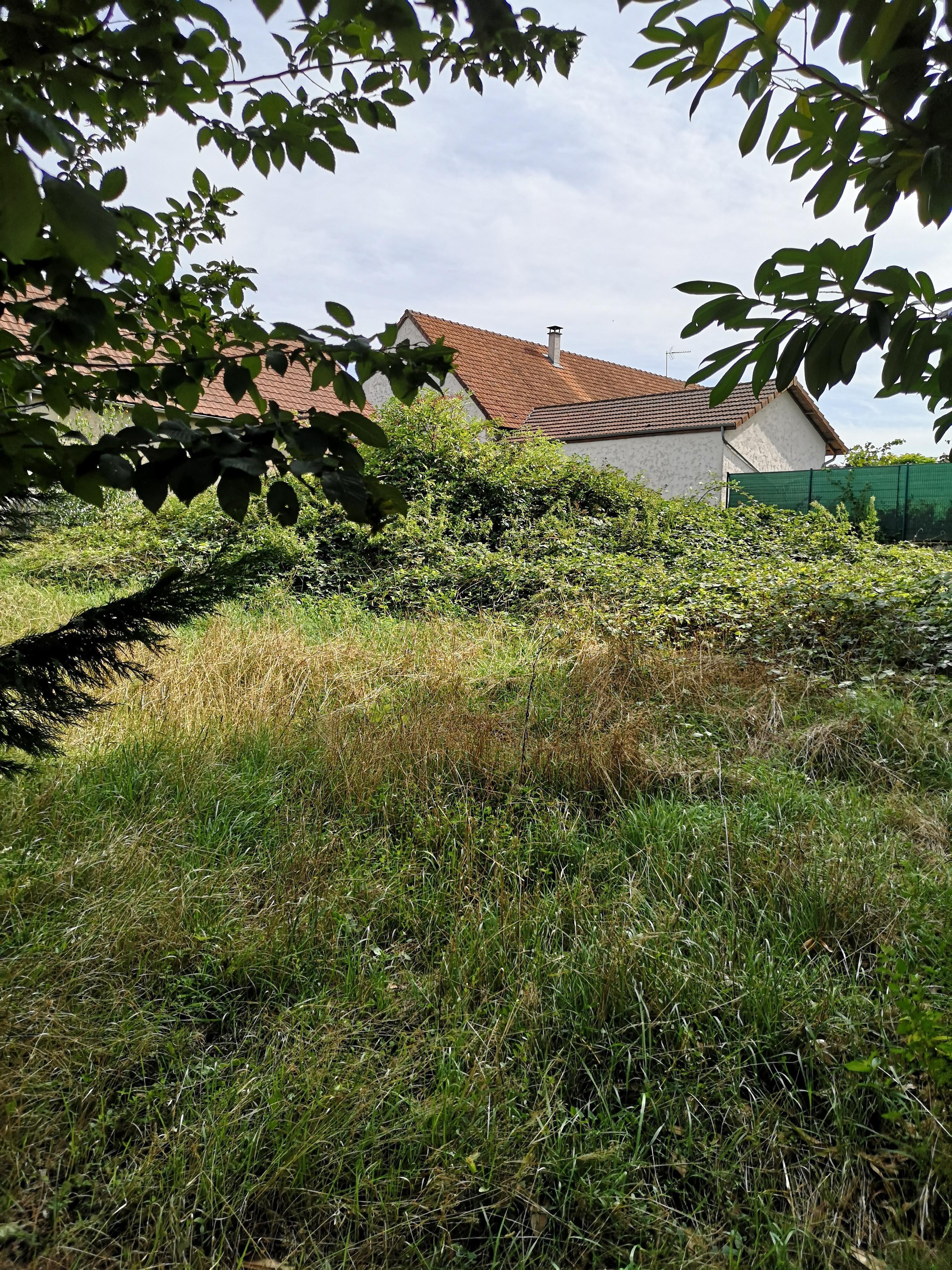 Terrain constructible à Poncey-lès-Athée