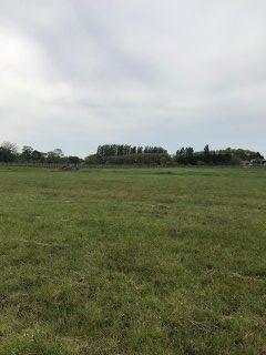 Terrain constructible à Saint-Girons-d'Aiguevives
