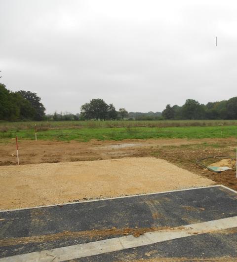 Terrain constructible à Cour-Marigny