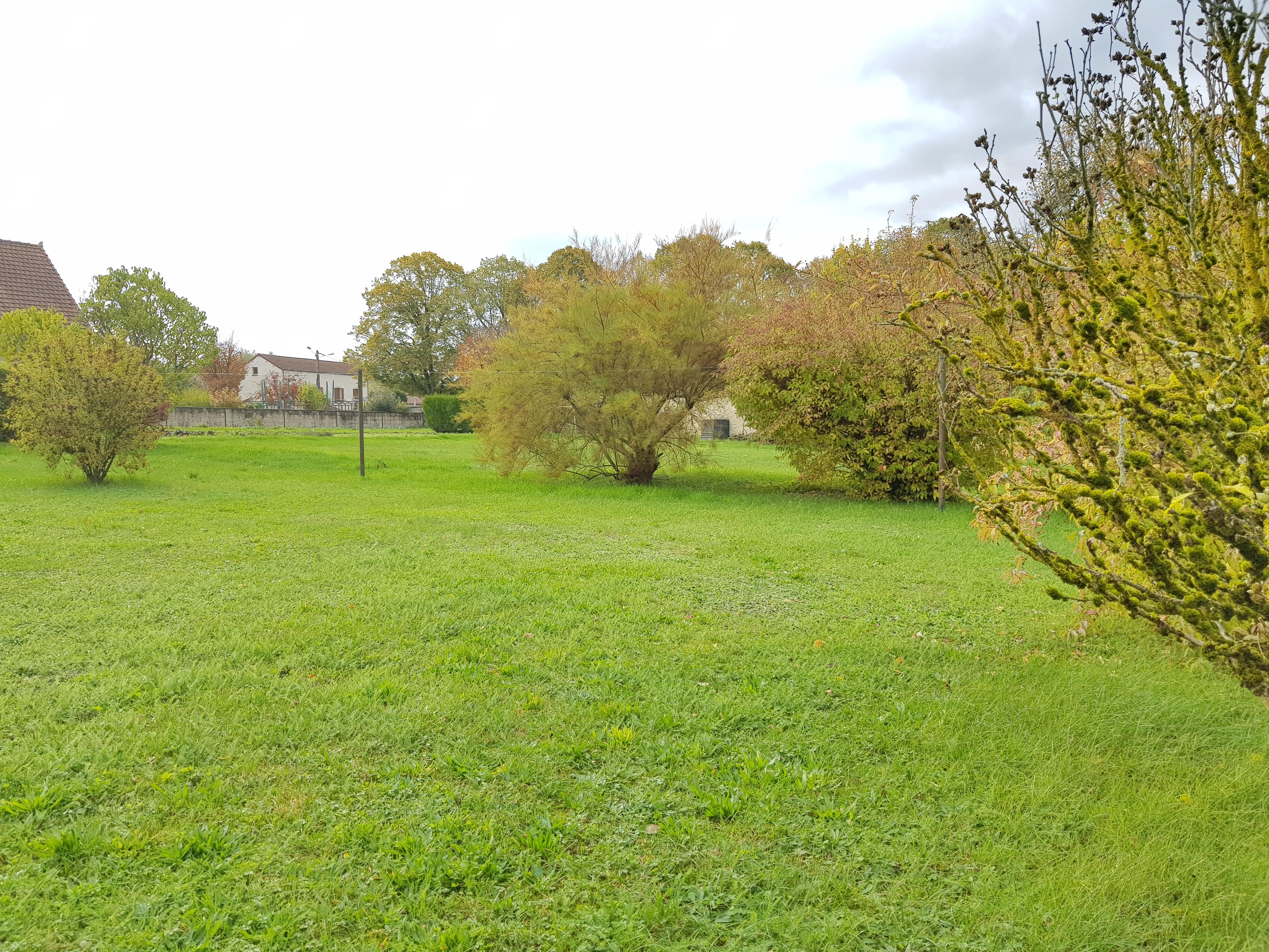 Terrain constructible à Marcilly-sur-Tille