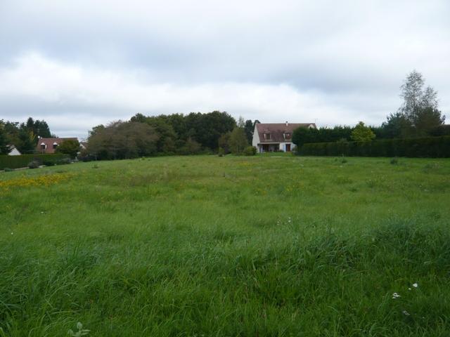 Terrain constructible à Montbouy