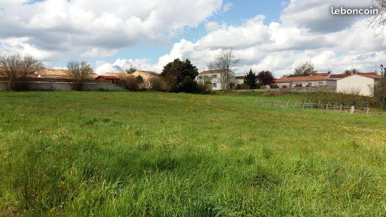 Terrain constructible à Landes-Genusson