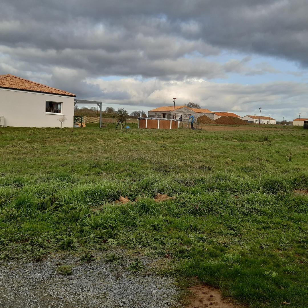 Terrain constructible à Saint-Martin-des-Tilleuls