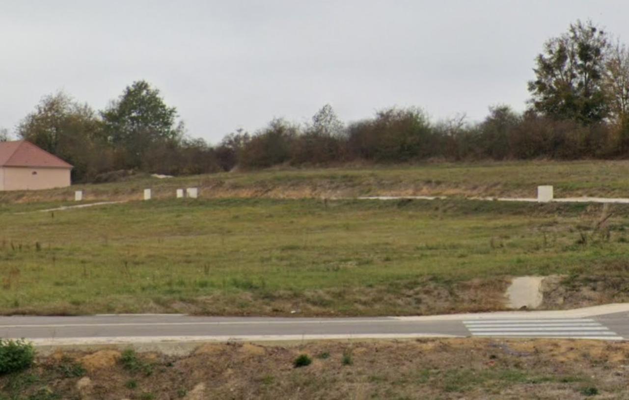 Terrain constructible à Lamarche-sur-Saône